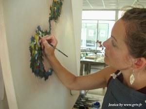 Installée au pôle artisanal, Lucie peint des aquarelles atypiques. Ne vous attendez surtout pas à venir y voir de la peinture du dimanche, elle maîtrise parfaitement son art et ces tableaux sont un véritable régal pour les yeux.