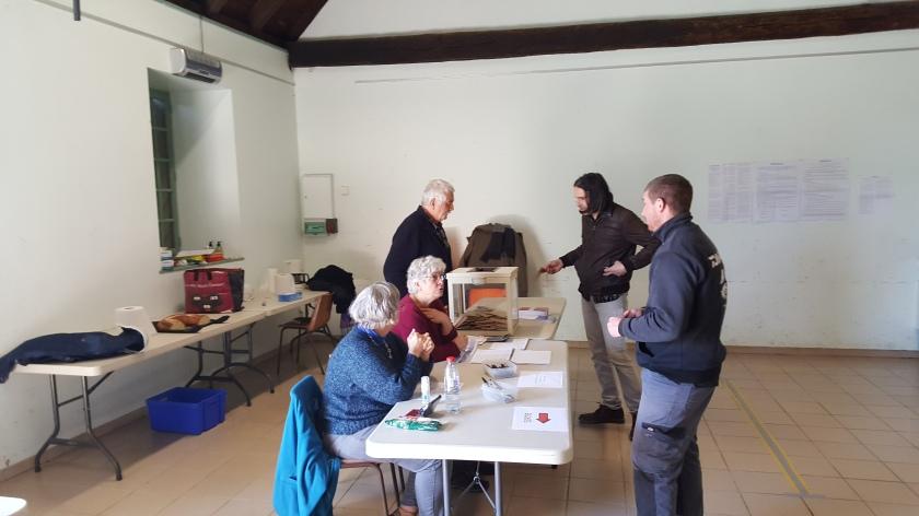 bureau de vote à sauveterre